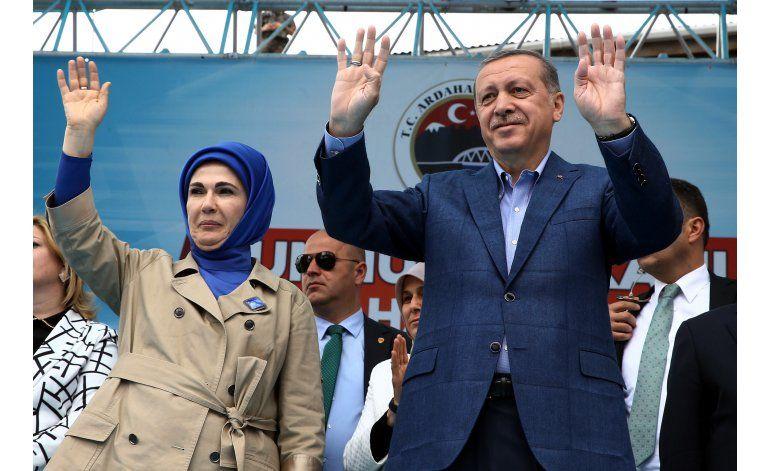 Turquía: Esposa de presidente dice que harén era escuela