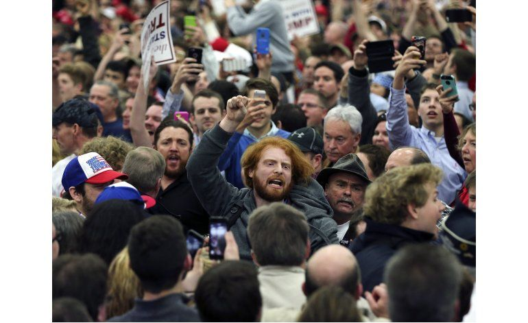 Polémica por manejo de inconformes en eventos de Trump