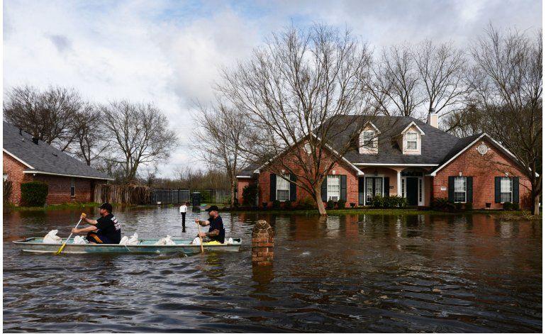Lluvia ocasiona inundación en norte de Louisiana