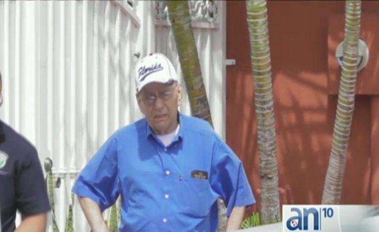 Policía de Hialeah buscan a sujeto que presuntamente robo miles de dólares a un anciano