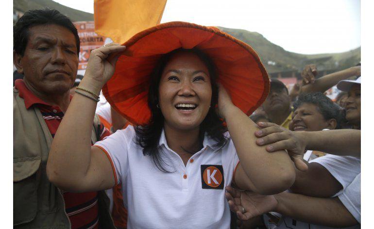 Miles piden exclusión electoral de Keiko Fujimori