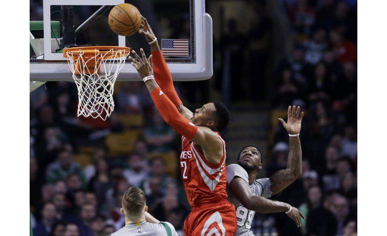 Rockets terminan con la racha ganadora de Celtics en casa