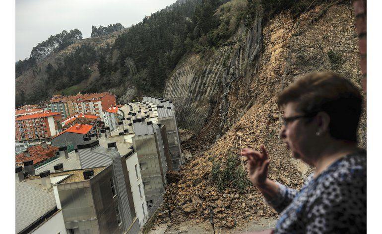 Alud en norte de España obliga a evacuar a 180 personas