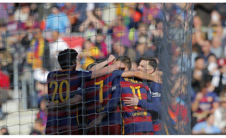 Messi deslumbra y Barcelona logra 12do triunfo al hilo