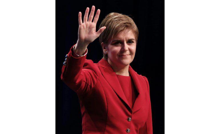 Líder escocesa busca más apoyo para lograr independencia