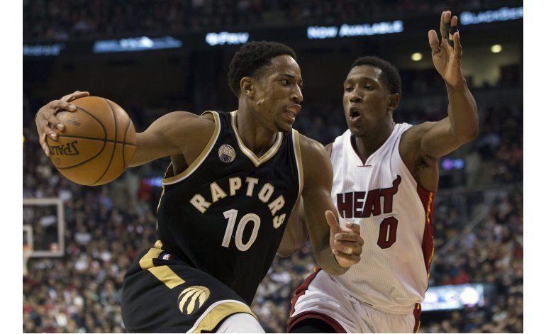 Raptors gana a Heat en tiempo extra con 38 puntos de DeRozan