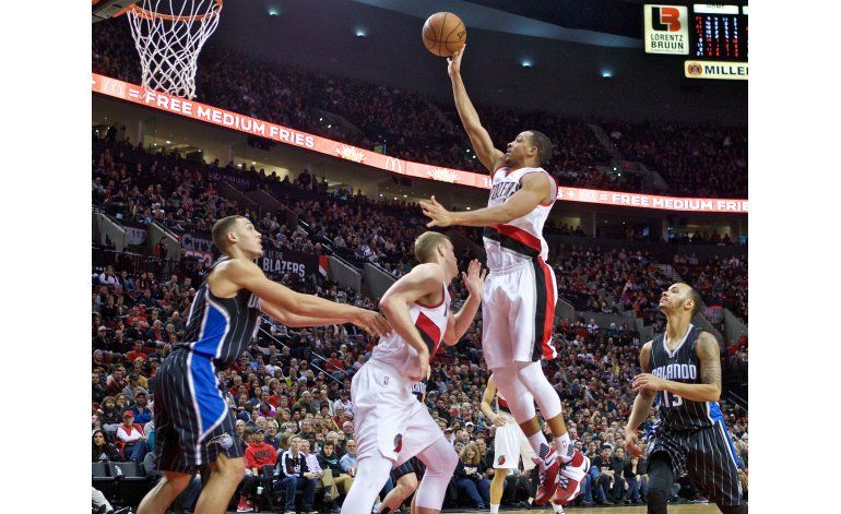 Lillard y los Trail Blazers se imponen 121-84 al Magic
