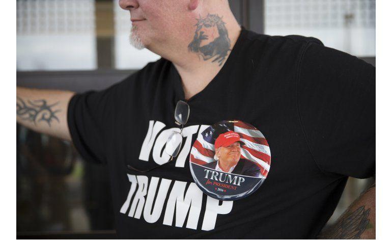 Donald Trump mantiene la retórica de su campaña