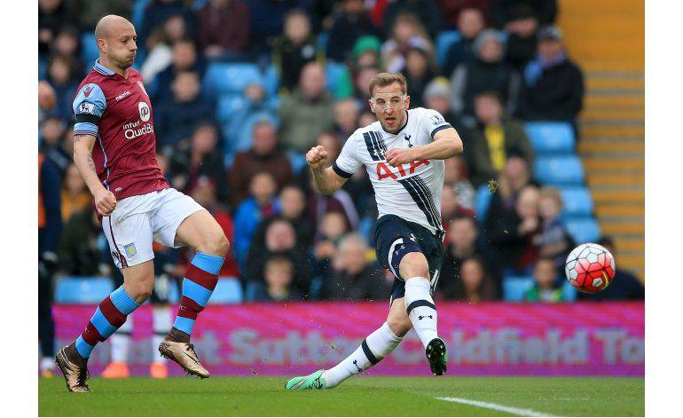 Tottenham gana al Villa y mantiene presión sobre Leicester