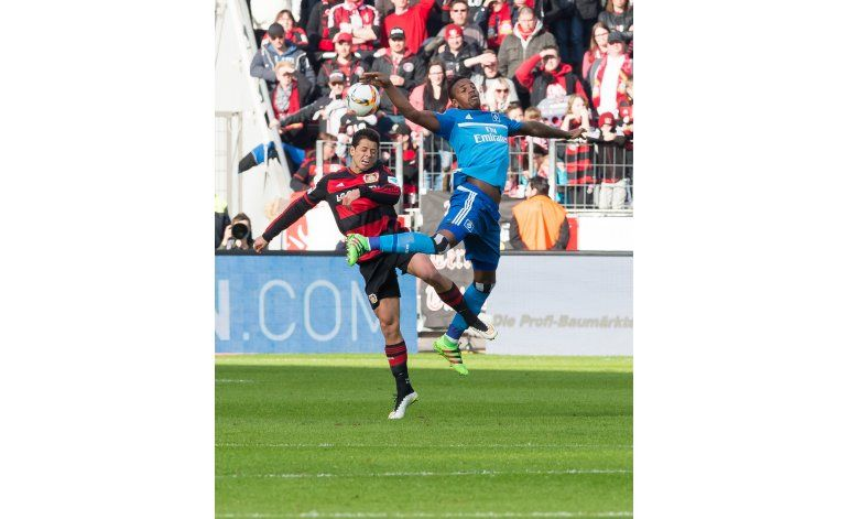 Dortmund gana 2-0 al Mainz; muere aficionado en el estadio