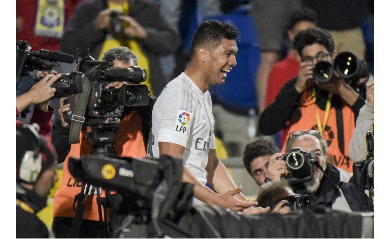 Ramos y Casemiro salvan al Madrid en Las Palmas