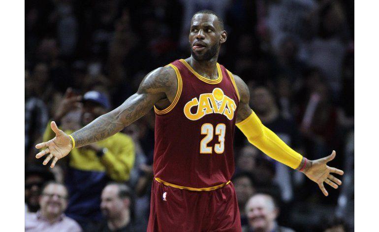 Cavaliers liquidan a Clippers con triples