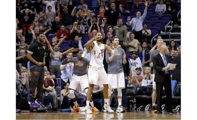 Con triple de Teletovic, Suns superan a Wolves