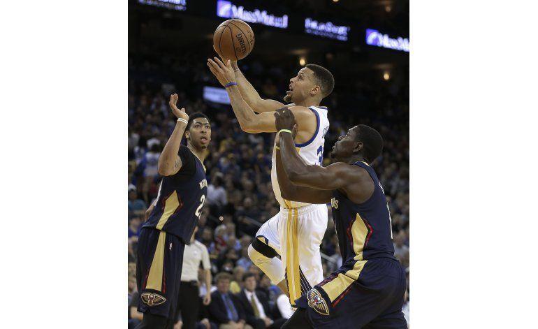 Curry anota 27 puntos en su 28vo cumpleaños