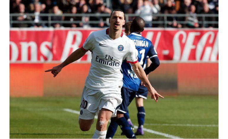 Ibrahimovic y PSG encabezan ranking de AP