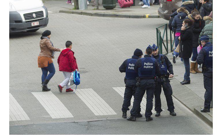 Un muerto tras redada antiterrorista en Bruselas