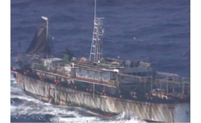 Argentina hunde buque chino por pesca ilegal