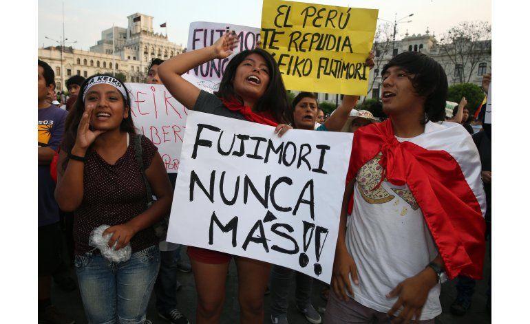 Marcha en contra de candidata peruana Keiko Fujimori