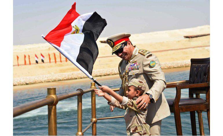 El presidente de Egipto empieza a recibir críticas