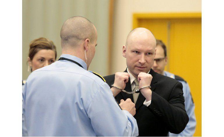 Noruego Breivik dice que ideología nazi lo mantiene vivo