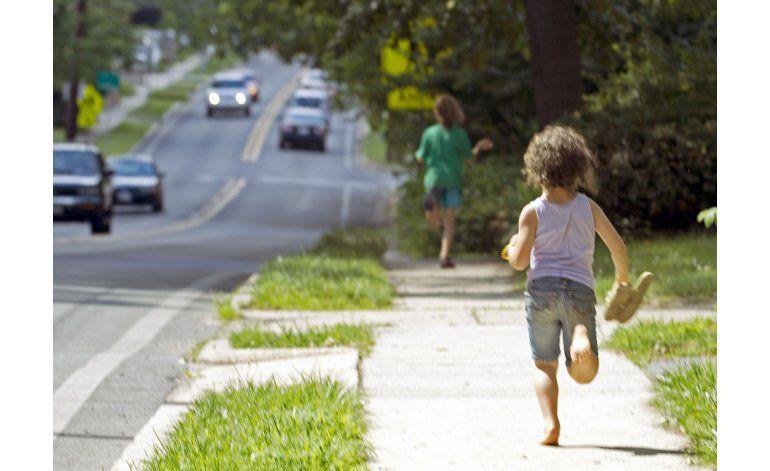 Rhode Island sancionará a padres que dejen niños solos