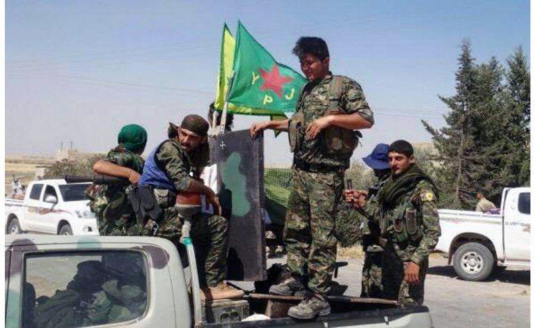 Curdos planean declarar una región federal en norte de Siria