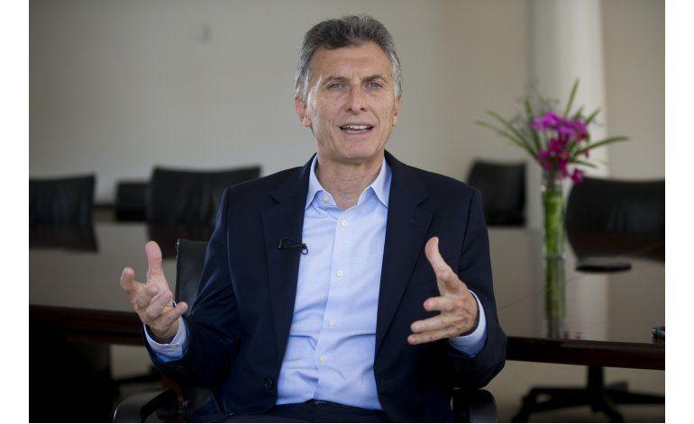 Macri reclama más transparencia al fútbol argentino