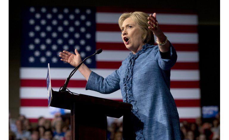 Tras noche de victoria en primarias, Clinton mira adelante
