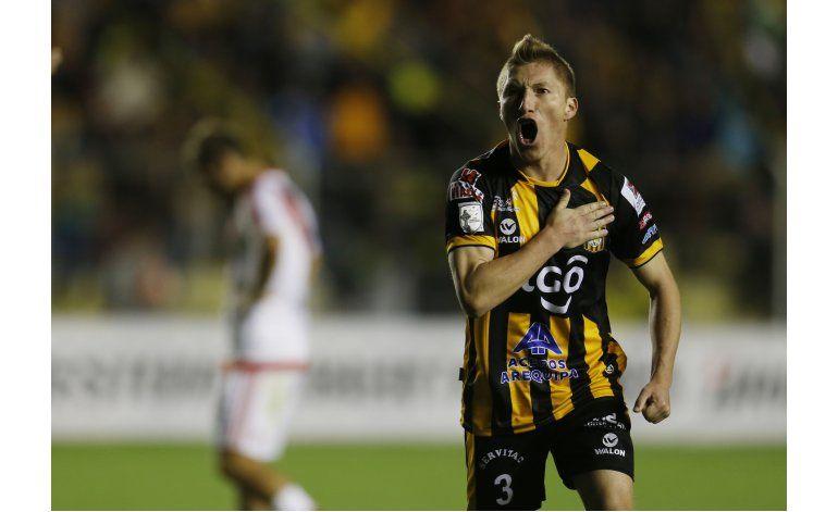 Libertadores: Strongest le empata a River cerca del final