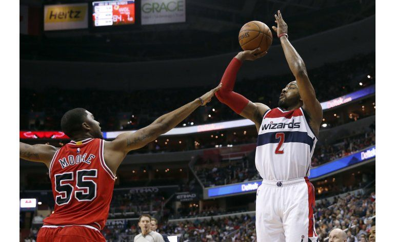 Wall logra triple doble y Wizards doblegan a Bulls