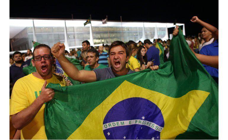 Juez divulga grabaciones telefónicas entre Lula y Rousseff