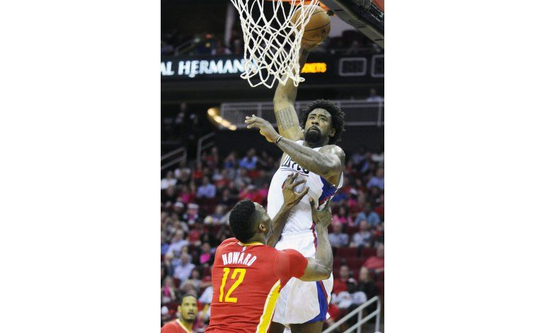 Jordan logra doble doble y Clippers arrollan a Rockets