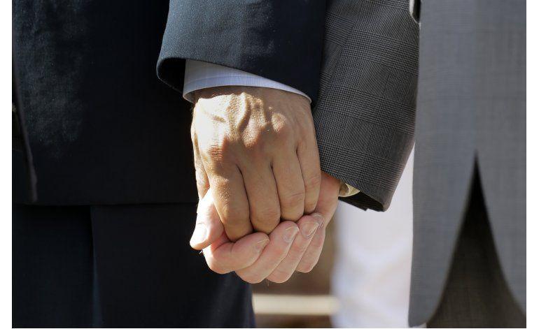 Sondeo: Crece aceptación de cambios sociales, salvo divorcio