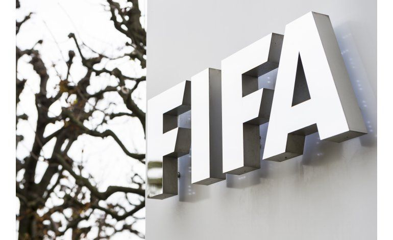 FIFA pagó a Blatter 3,76 millones en 2015