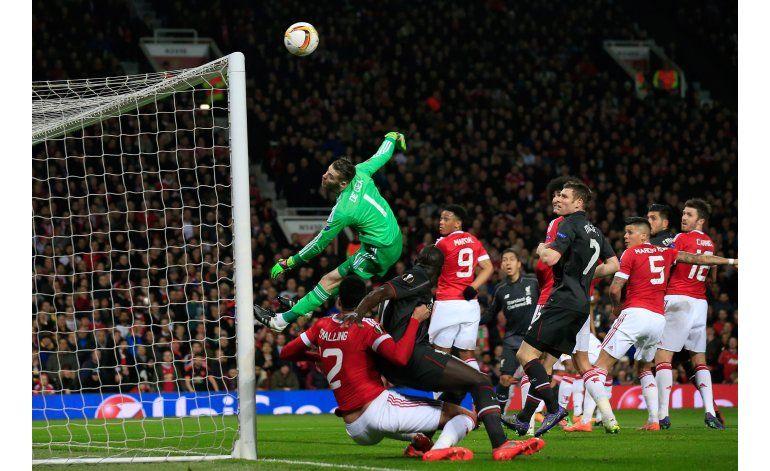 Liverpool elimina al Man U en la Liga Europa