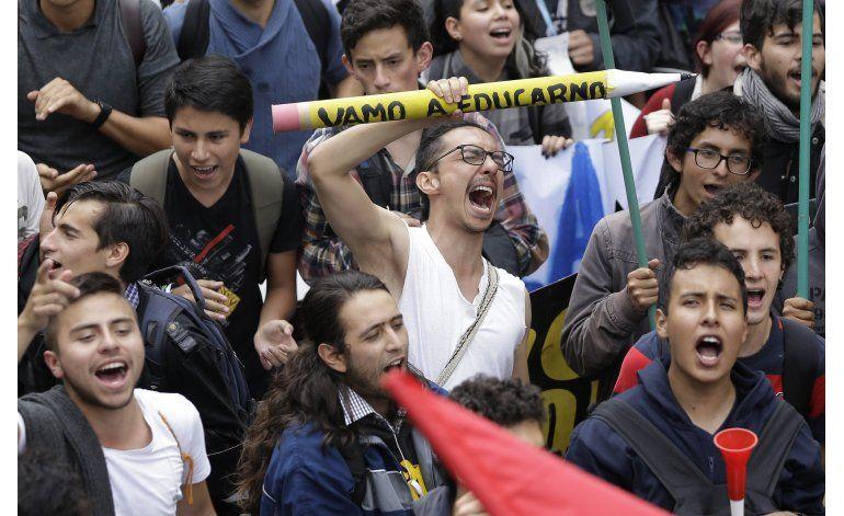Colombia: destacan relativa normalidad tras paro nacional