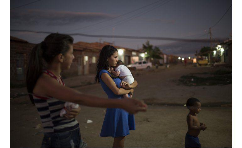 Zika: Brasil lucha contra falta de recursos e inoperancia