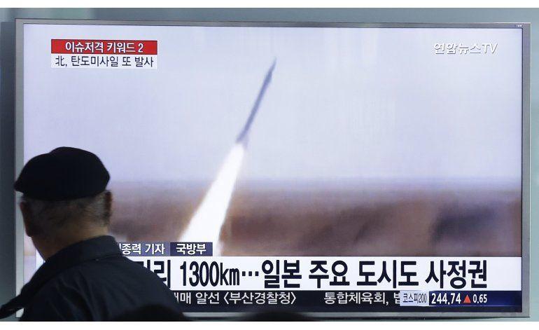 Corea del Norte dispara un misil balístico al mar