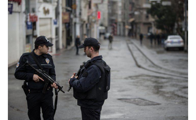 Cinco muertos y al menos 20 heridos en atentado en Estambul