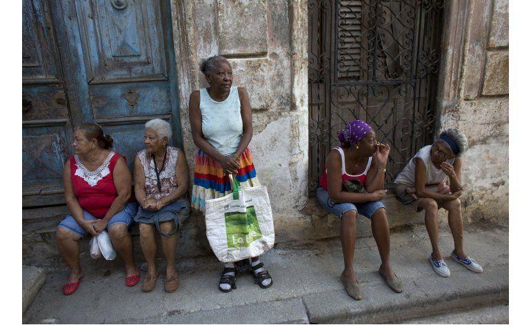 Entrevista AP: Cuba no se encandilará con EEUU