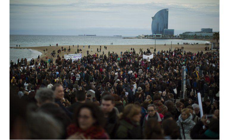 Miles protestan en España por indiferencia hacia migrantes