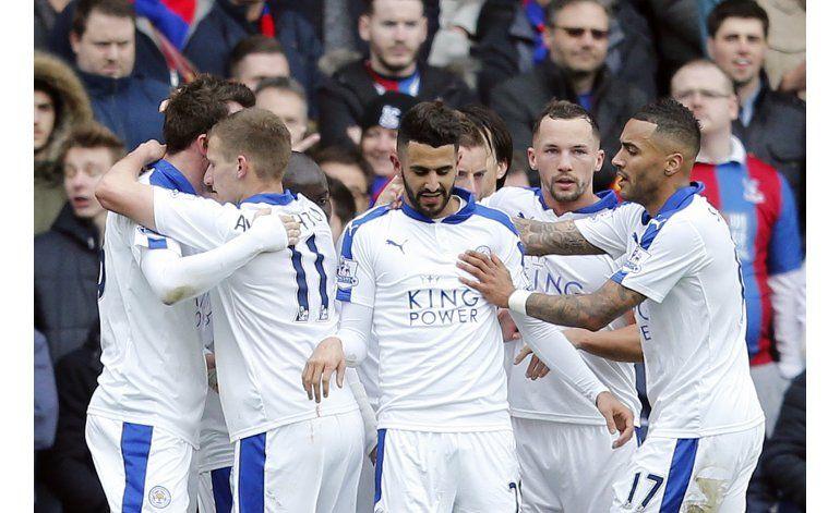 Leicester gana otra vez por 1-0 y se acerca al título