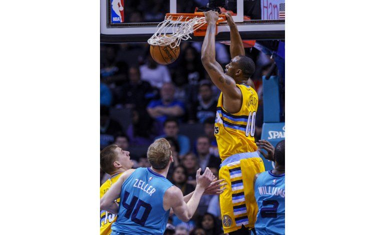 Con 24 puntos de Augustin, Nuggets sorprenden a Charlotte