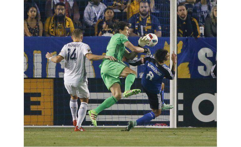 MLS: Doblete de Felipe le da a NY su primera victoria