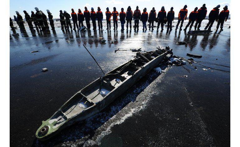 Investigan causas de caída de avión en Rusia