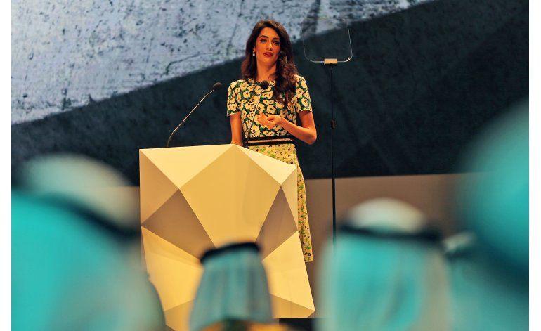 Amal Clooney aboga por los derechos humanos