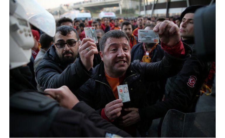 Turquía pospone partido por amenaza no especificada