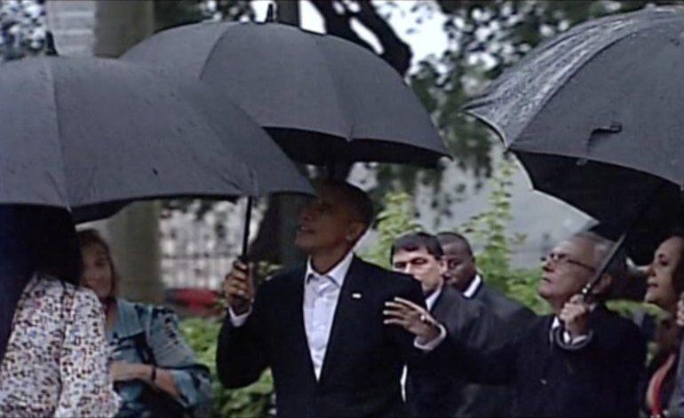 Obama y su familia prueban la sazón cubana en una paladar de La Habana