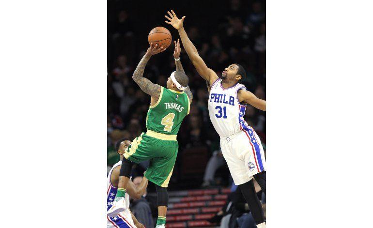 Thomas anotó 26 puntos en victoria de Celtics sobre 76ers