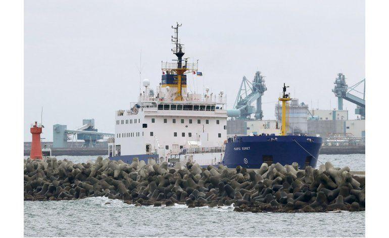 Llegan dos barcos a Japón para transportar plutonio a EEUU
